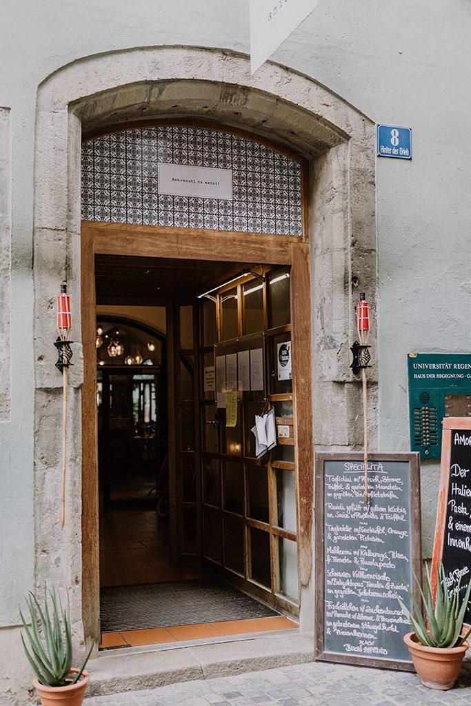 Eingangstür des amore, vino & amici