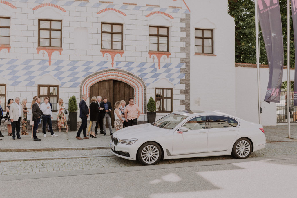 Ankunft des Brautpaares an der Herzogsburg