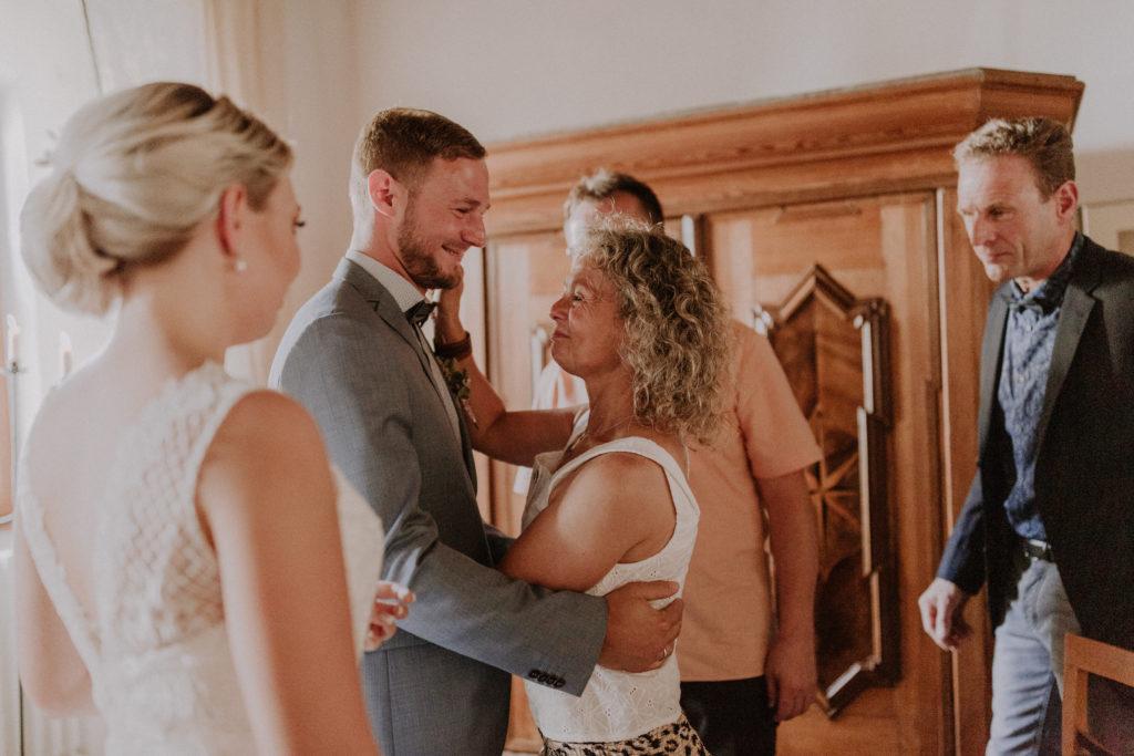 Glückwünsche der Bräutigam Mutter