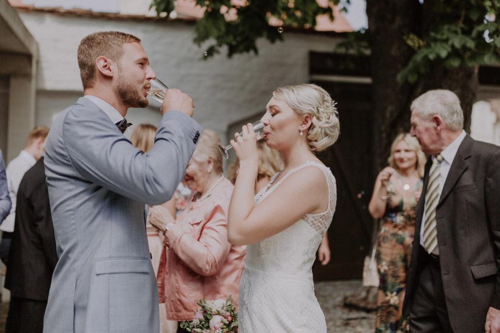 Begrüßungssekt des Brautpaares