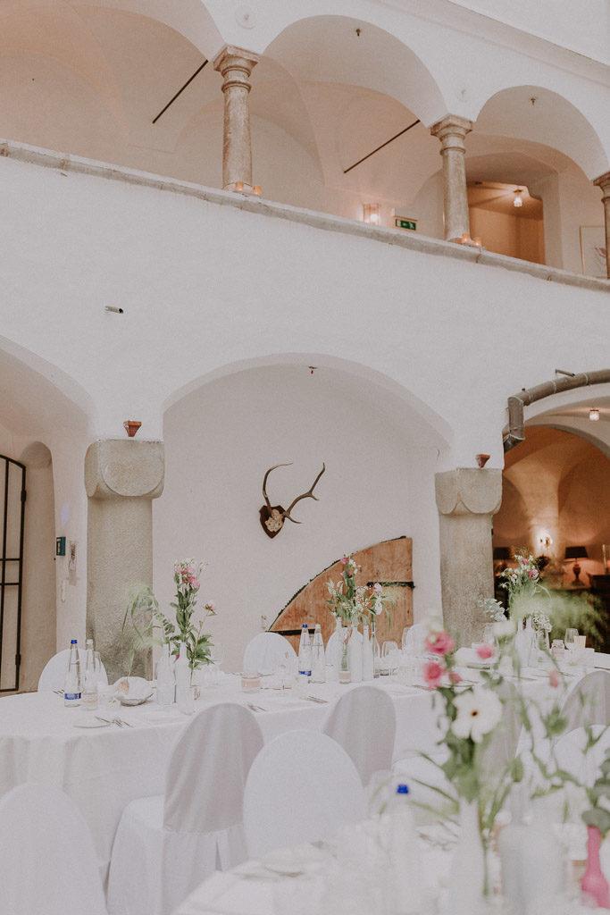 Stimmungsvolles Licht im Schlossinnenhof
